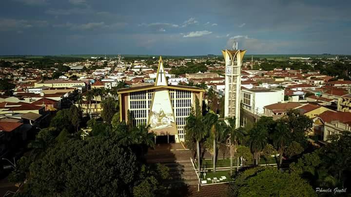 Praça da matriz - fonte FB Memorias de bariri